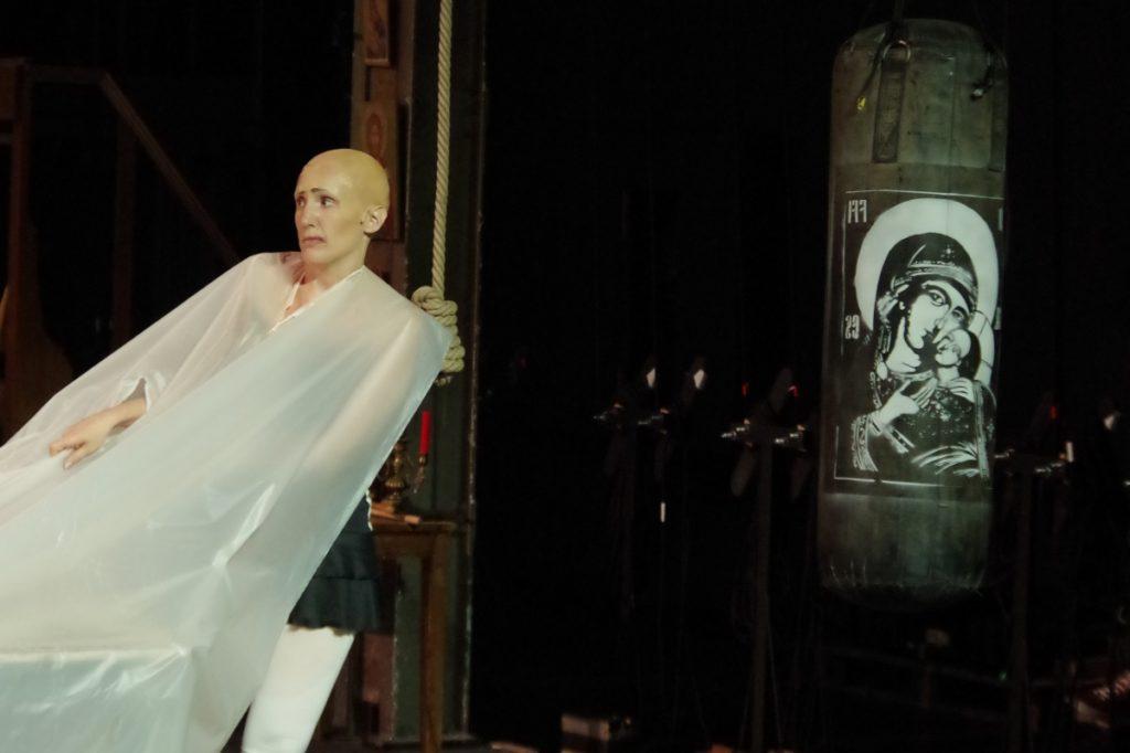 Les Démons mis en scène par Sylvain Creuzevault au théâtre Berthier Odéon - Amandine Pudlo