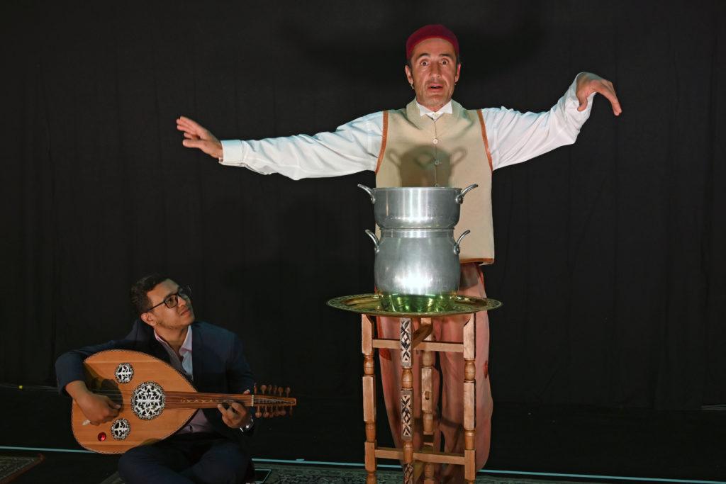 """""""Comment réussir un bon petit couscous"""" de Fellag, mise en scène Miche Didym, avec Bruno Ricci et Taha Alami; coproduction: La Manufacture/CDN Nancy Lorraine et La Mousson d'Été"""