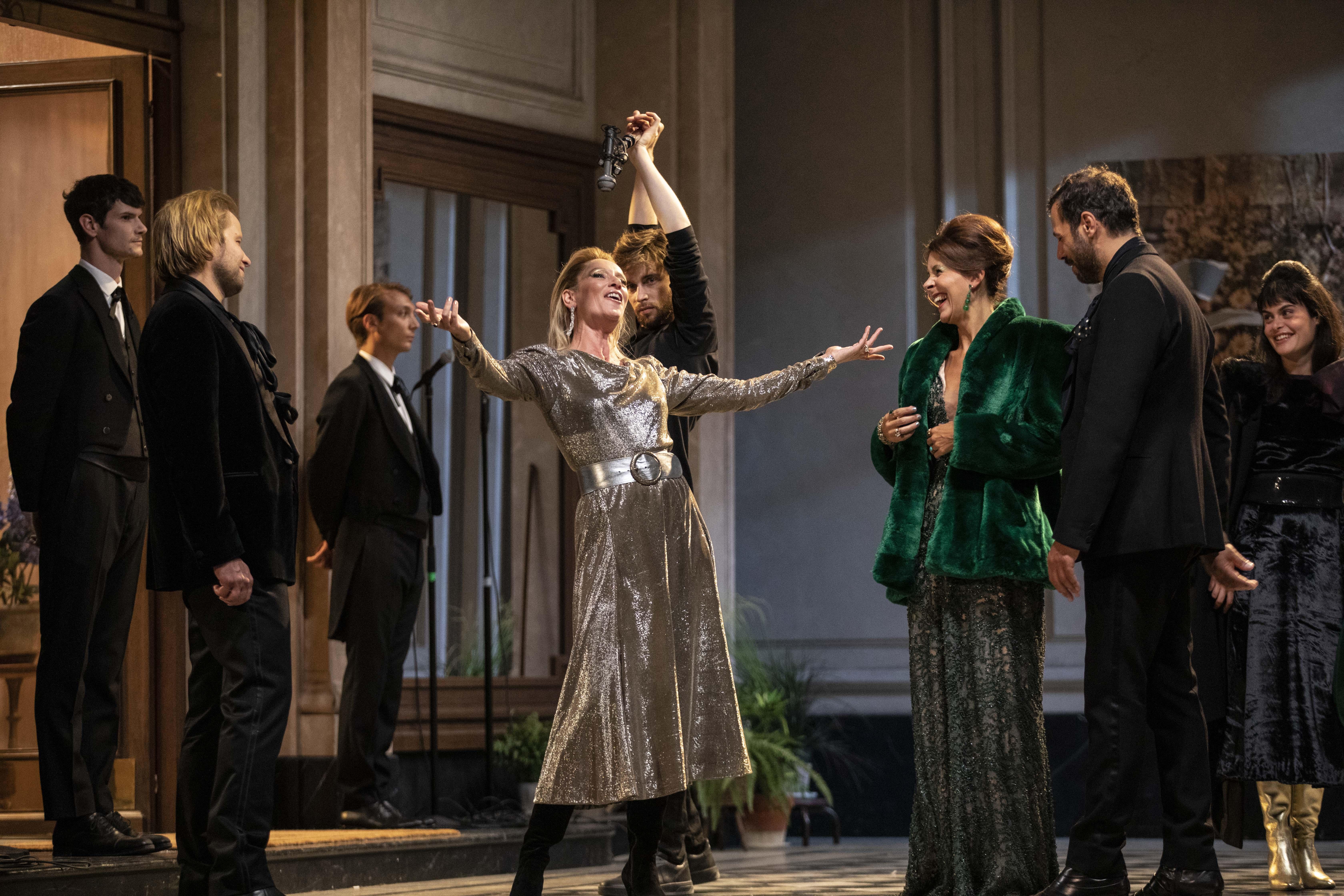 """""""Le Côté de Guermantes"""" par la troupe de la Comédie-Française, au Théâtre Marigny"""
