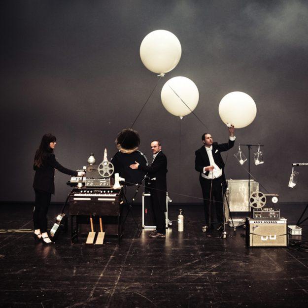 Unusual Weather Phenomena Machine Installation de Thom Luz à la Quadriennale de Prague 2019